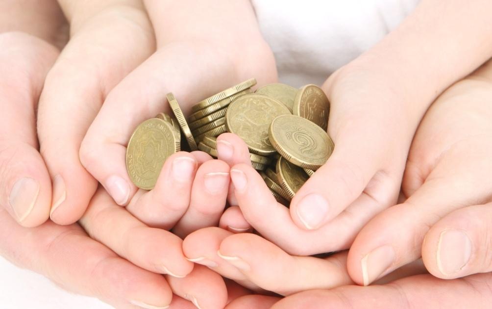 Экономисты высказались о маткапитале и пособиях для малоимущих