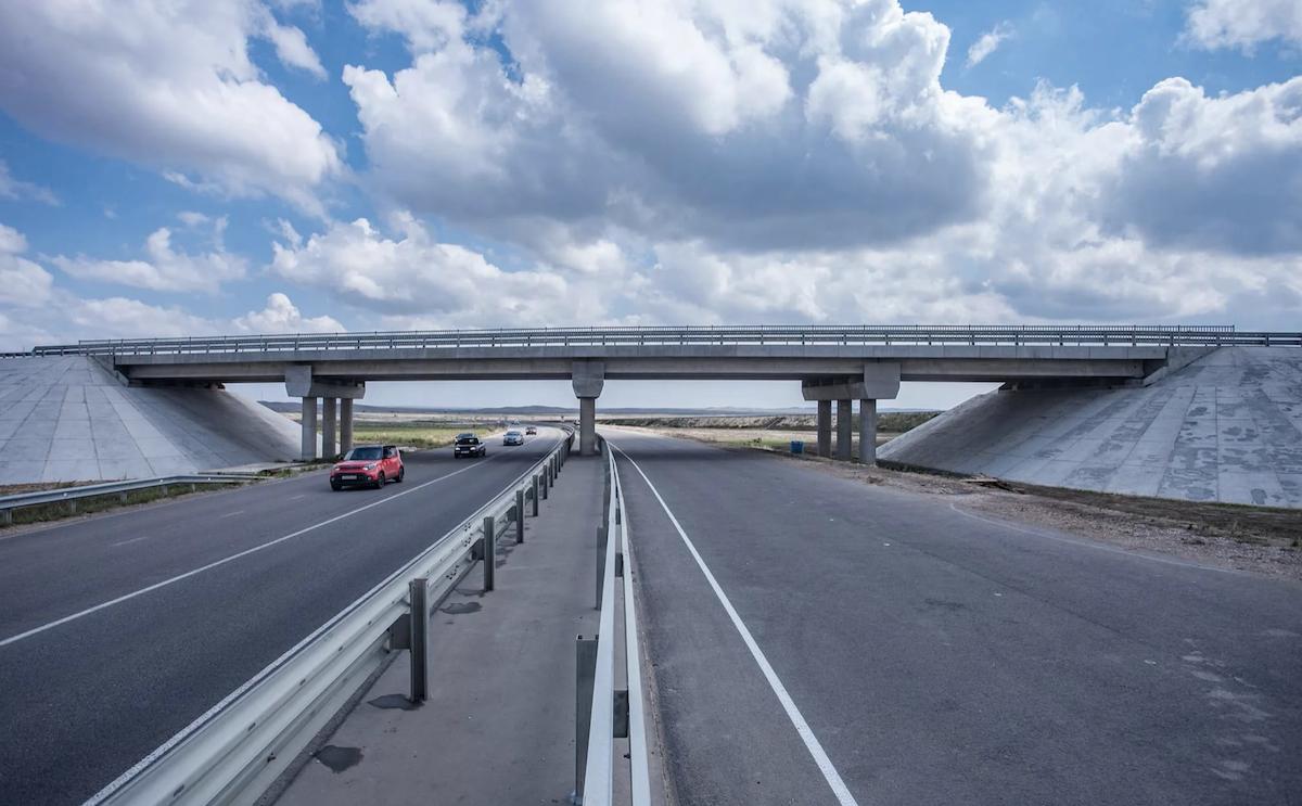 «Создаются чудовищно аварийные ситуации»: автоэксперт проехался по трассе Таврида