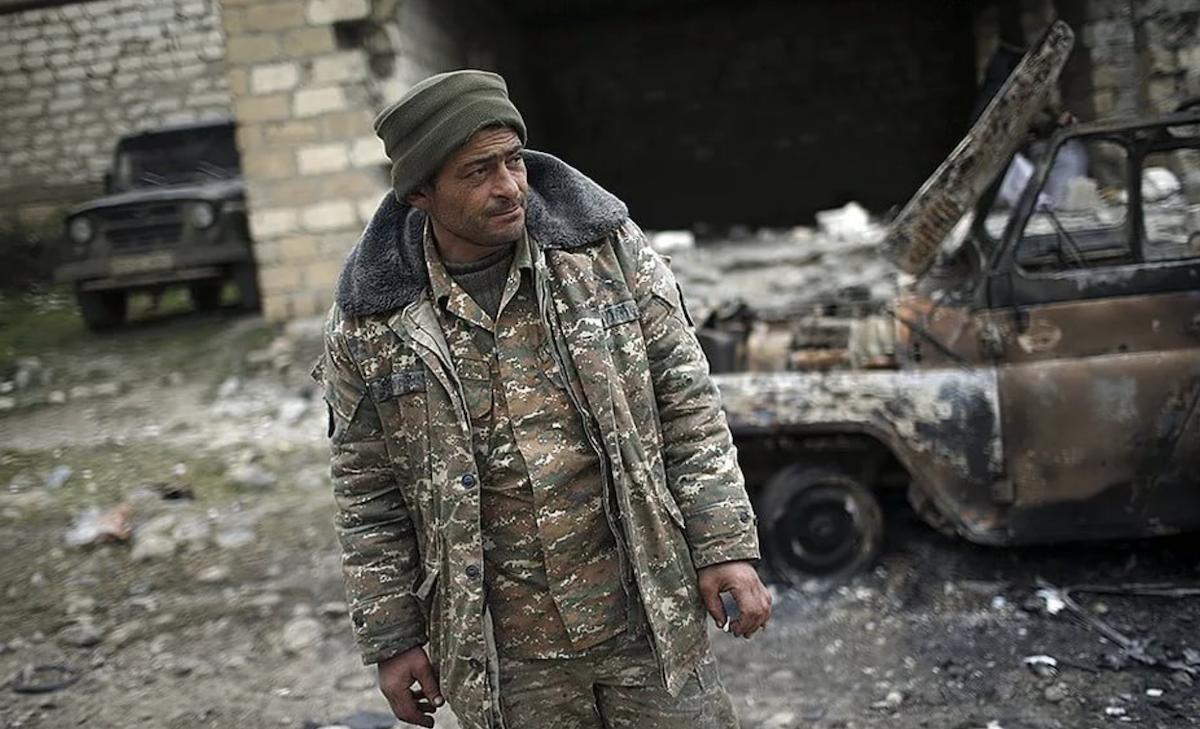Стало известно, как россияне относятся к конфликту вокруг Нагорного Карабаха