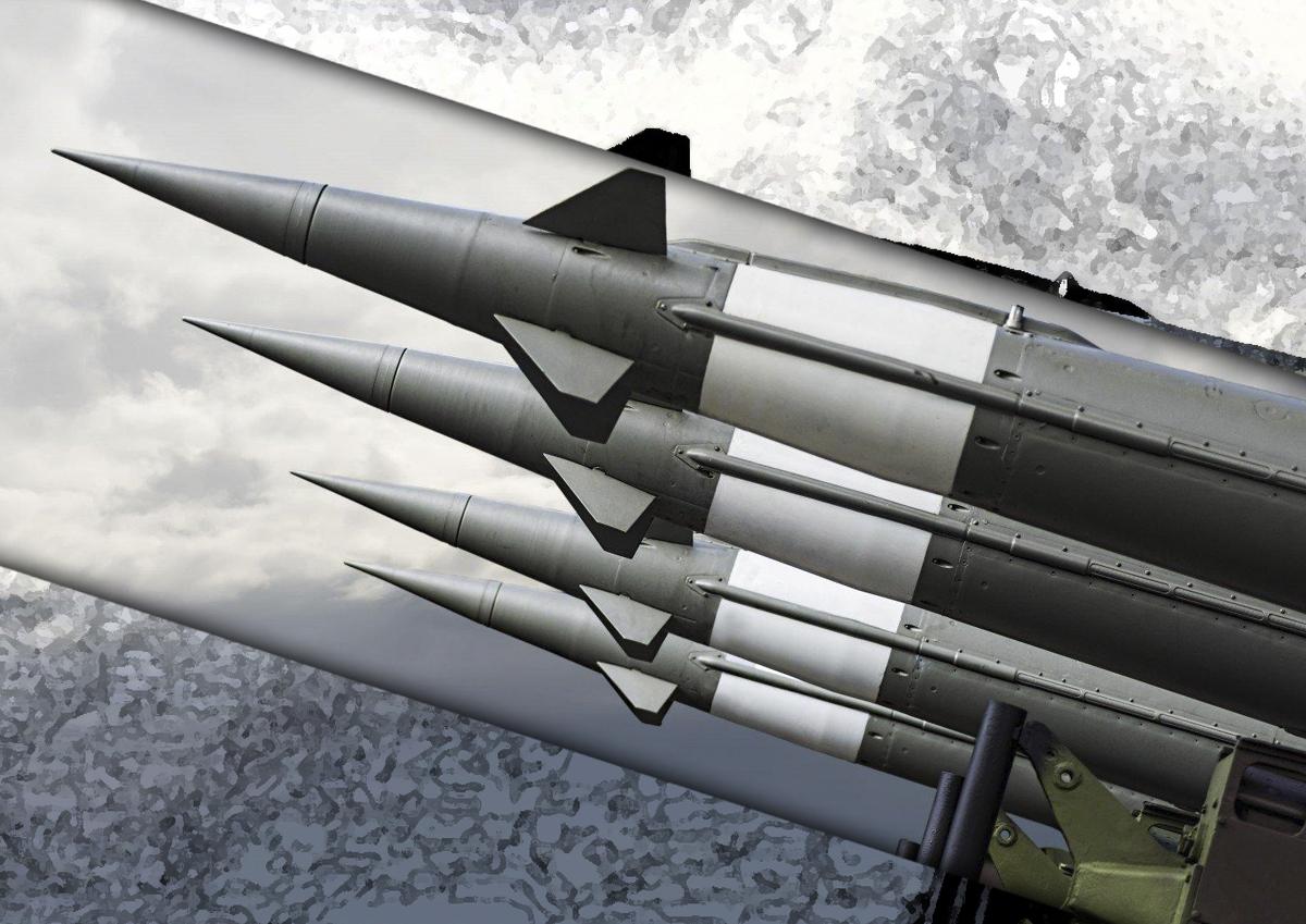 Нужно ли России отказаться от ядерного оружия?