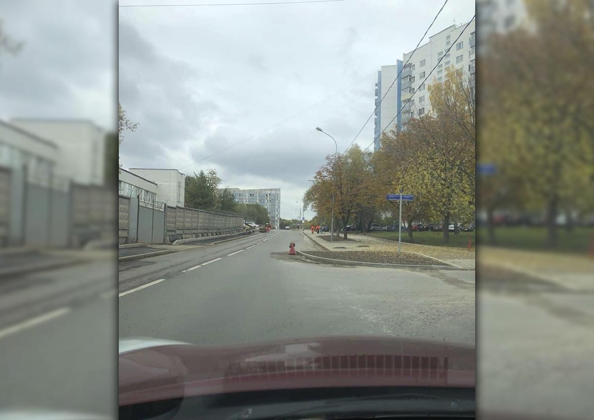 Московские водители сообщили о появлении опасного «клыка» на пересечении улиц Голубинская и Новоясеневская
